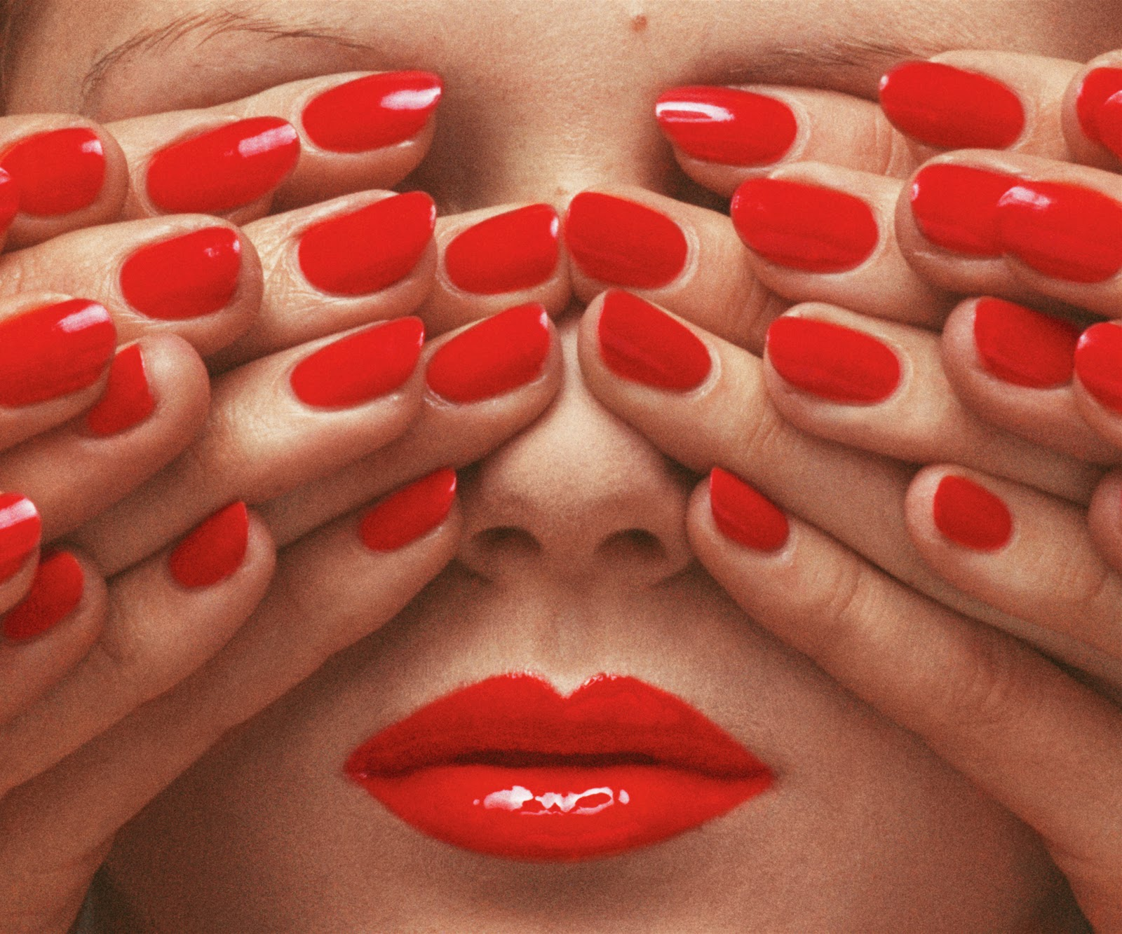 GuyBourdin.In Between Strong Nails